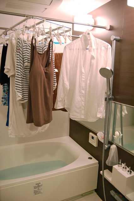 浴室乾燥機で衣類乾燥